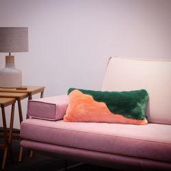 스펌웨일 쿠션 - Spermwale Fakefur Cushion