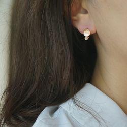 14k gold pink shell circle earring
