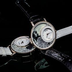초생달 시계