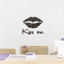 포인트를 주는 아크릴 거울 kiss me 스티커