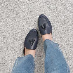 [쿠루] 여성 2cm 클래식 스티치 테슬 블로퍼 G6958