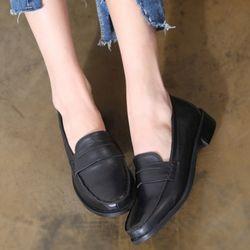 [쿠루] 여성 3cm 클래식 미들굽 페니로퍼 G6934