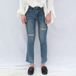 Knee cutting slim jean