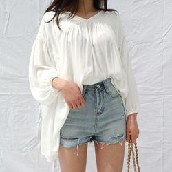 V-neck feminine blouse