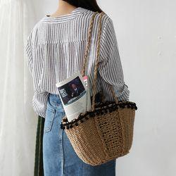 Pom pom picnic bag