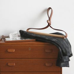 프라임 leather 옷걸이 2color