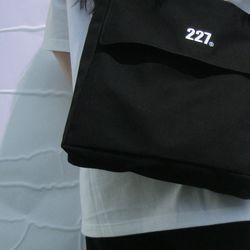 227 이이칠 SIGNATURE BAG [ BLACK ]