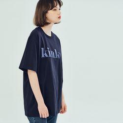 (UNISEX) 킨쿠 베이직라인 빅로고 티셔츠 네이비