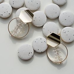 Gold hexagen -round earring