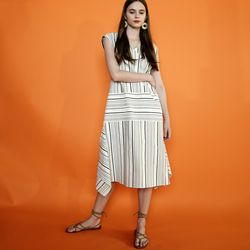 V-NECK STRIPE TRAPEZ DRESS