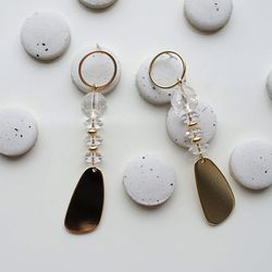 Crack crystal earring