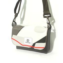PARROM small shoulder bag (쓰리플)