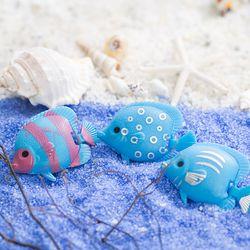 꼬리가 흔들리는 플라스틱 물고기(블루)