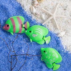 꼬리가 흔들리는 플라스틱 물고기(초록)