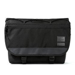 MAX BLACK MESSENGER BAG