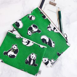GREEN PANDA POUCH (Midium)