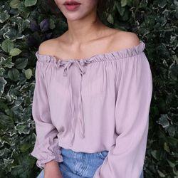 Feminine off shoulder blouse