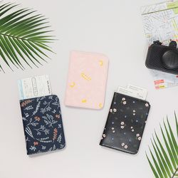 BOTANICAL PASSPORT CASE