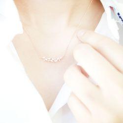 반짝이는 큐빅 팬던트 여성목걸이(OTN215509QPW)