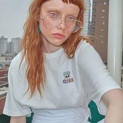 로고플레이 시리즈 티셔츠 SEEOSEE 화이트