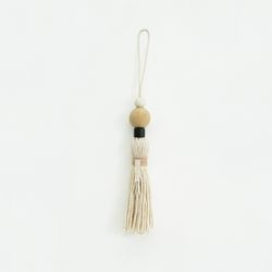 natural wood tassel - ivory