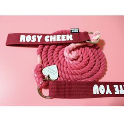 ROSY CHEEK LEAD (L) ROSE WINE