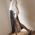 SILKY WRAP SKIRT NAVY MOCHA