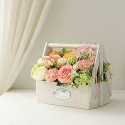 러블리 레인 화이트사각꽃바구니