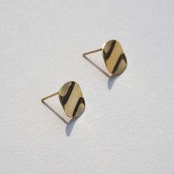 10k gold wave circle earring
