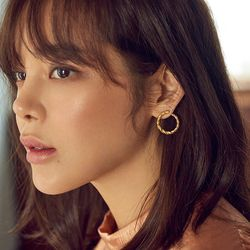 [클리어런스] Midnight Sun Small Twist Earrings
