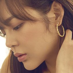 [클리어런스] Midnight Sun Large Braid Hoop Earrings