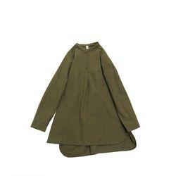 클라우드나인: 플란넬 밴드카라 튜닉 롱 셔츠 (카키)