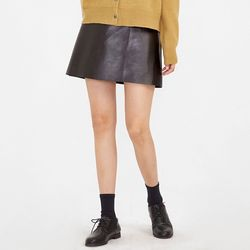 every leather mini skirts (s m)