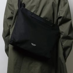 104 Crossbag Black
