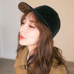 호피 포인트 스웨이드 남녀공용 볼캡 모자