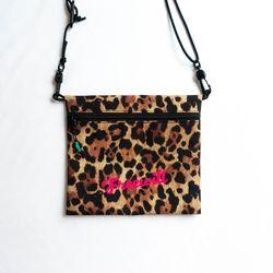 OCT NEED BAG M