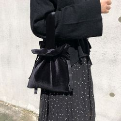 스트랩토트백 Strap tote bag (VELVET-BLACK)