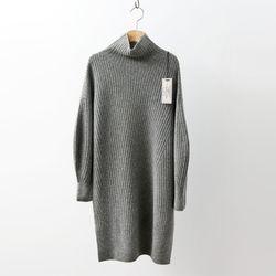 Hoega Cashmere Wool Turtleneck Oblique Dress
