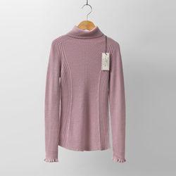 Hoega Wool Frill Turtleneck Knit