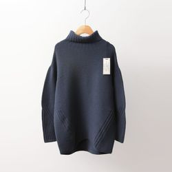 Hoega Cashmere Wool Turtleneck Sweater