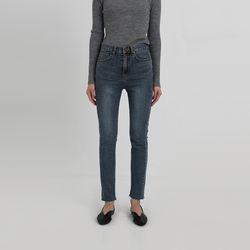 less skinny denim pants