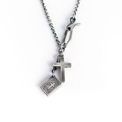 아벤투라 18AN-09 timeworn cross biblebook necklace