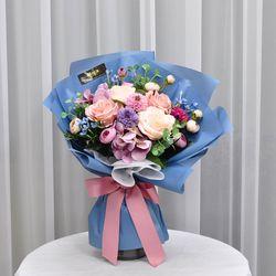 로즈블루 -조화 꽃다발 졸업식 재롱잔치 사탕 부케