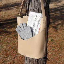 Modern shoulder bag