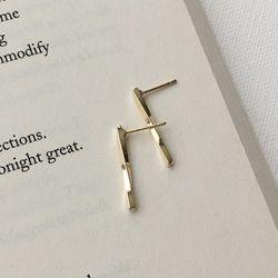 [2만원 이상 구매시 귀걸이증정] 막대 스틱 귀걸이(골드)