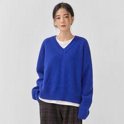 close v-neck knit