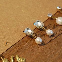 Crystal Stone Pearl Earrings (천연 담수진주)