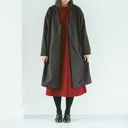아틀리에이퀄 :  부드러운 촉감 기모 브이넥 원피튼 로브 코트