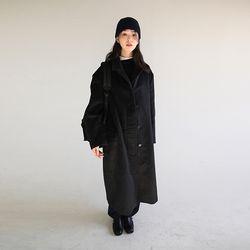 hidden button over coat (black)