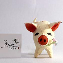 [일구돼지인형]잘먹는 꽃돼지-돼지인형수제완성품